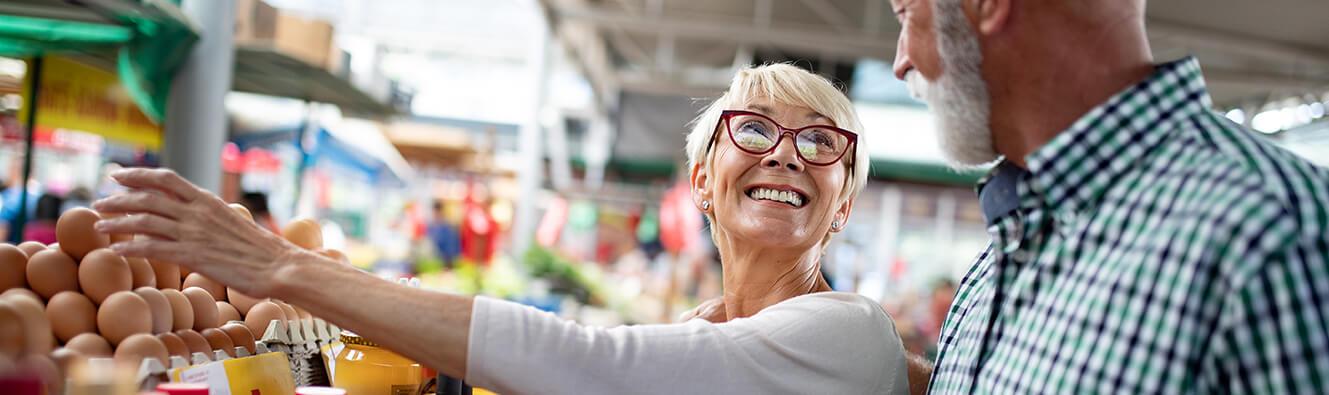 foto Ľudia nakupujú v mopartneru